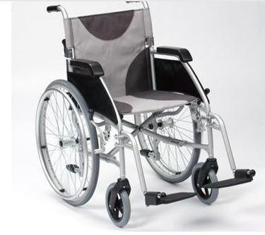 """תמונה של כסא גלגלים קל משקל 12 ק""""ג"""