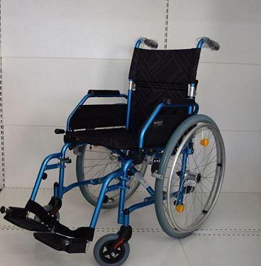 תמונה של כסא גלגלים קל משקל 12 קילו Freeway