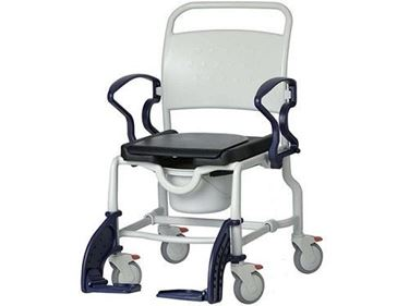 תמונה של כסא רחצה ושירותים רחב עם גלגלים