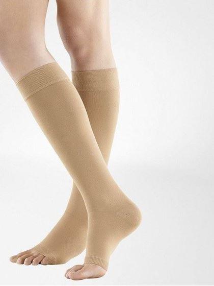 תמונה של גרביים אלסטיות JUZO | גרבי טיסה